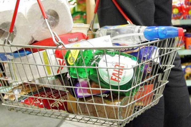 مصرف کنندگان آمریکایی برای بقا خرید می کنند