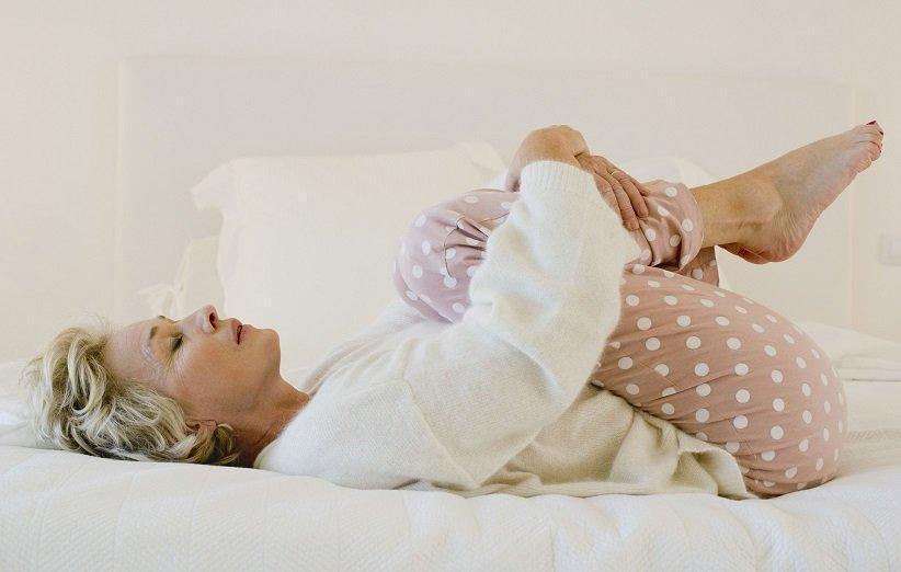 این حرکات کششی را قبل از بیرون آمدن از تخت خواب انجام دهید!
