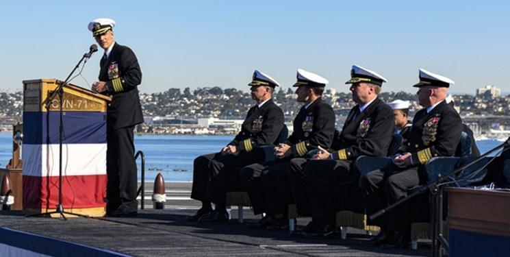 فرمانده ناو آمریکایی به دلیل هشدار درباره کرونا اخراج و تنزل رتبه داده شد
