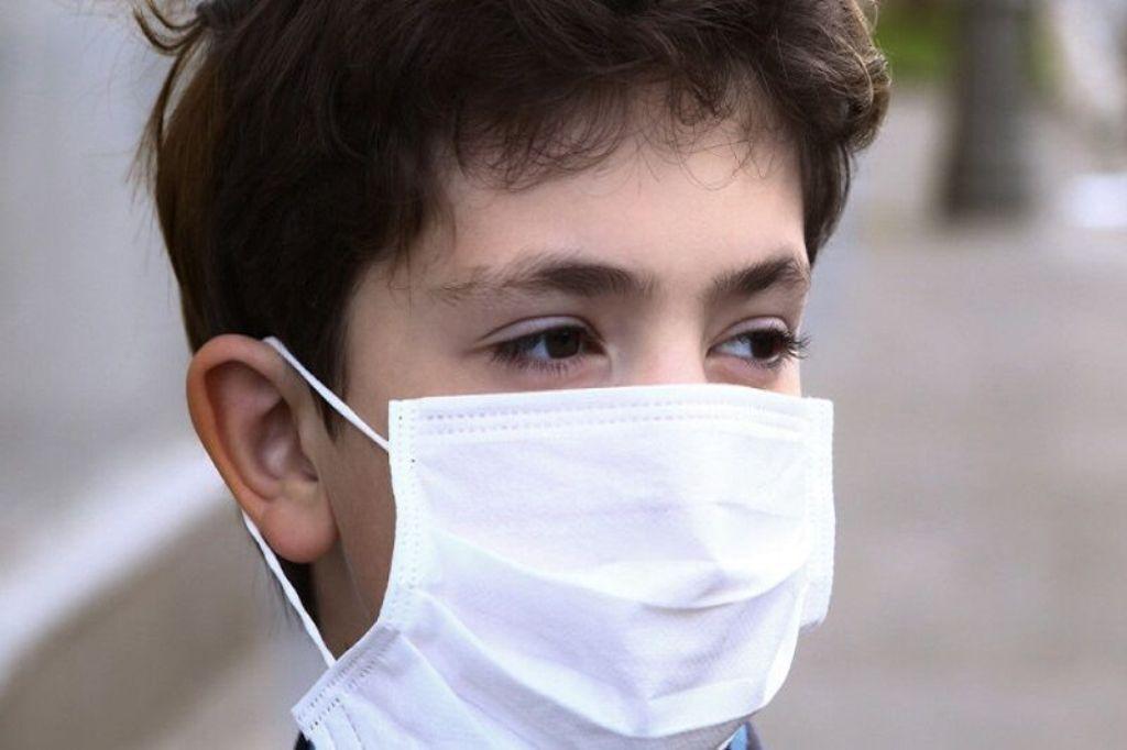 خبرنگاران استفاده از ماسک در حرم حضرت معصومه اجباری شود
